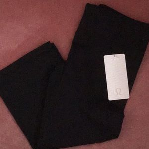 Lululemon black gather & crow crop pants 12